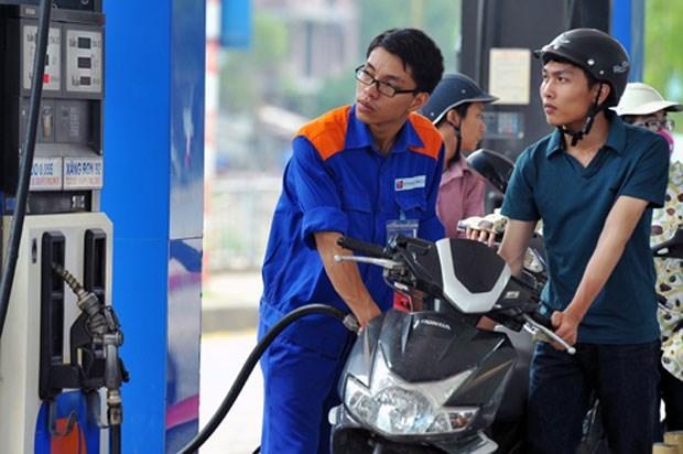 """""""Thuế chiếm phân nửa giá xăng dầu"""": Thứ trưởng Tài chính phản bác gay gắt - 1"""
