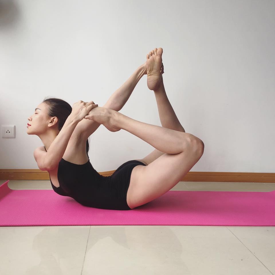 Trà Ngọc Hằng khoe dáng tập yoga sexy đến nghẹt thở - 3