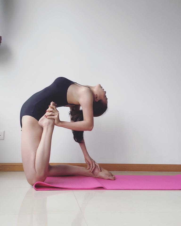Trà Ngọc Hằng khoe dáng tập yoga sexy đến nghẹt thở - 4