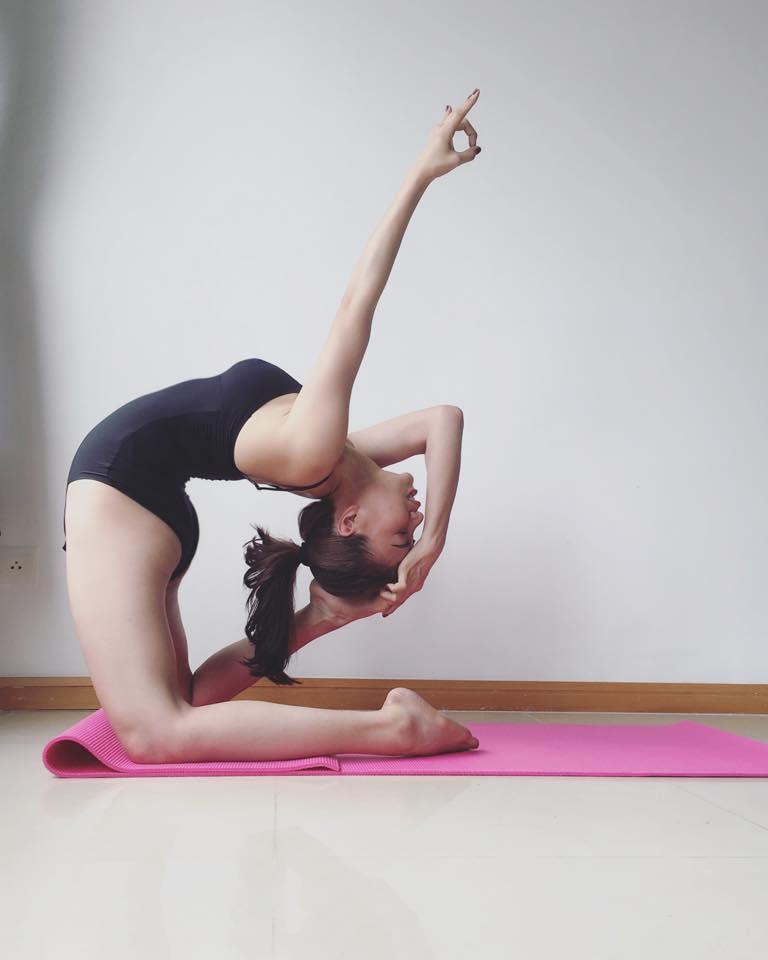 Trà Ngọc Hằng khoe dáng tập yoga sexy đến nghẹt thở - 5
