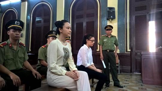Hoa hậu Phương Nga từng bị mẹ ruột đưa ra tòa - 1