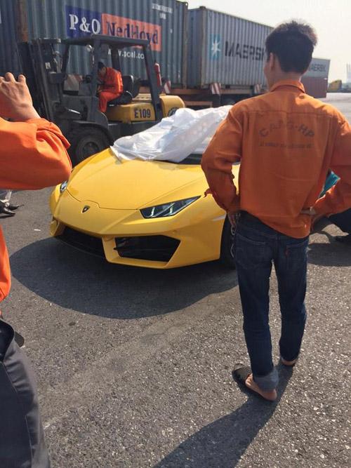 """HOT: Lamborghini """"giá rẻ"""" Huracan LP580-2 thứ 2 về Việt Nam - 8"""