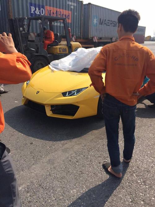 """HOT: Lamborghini """"giá rẻ"""" Huracan LP580-2 thứ 2 về Việt Nam - 9"""