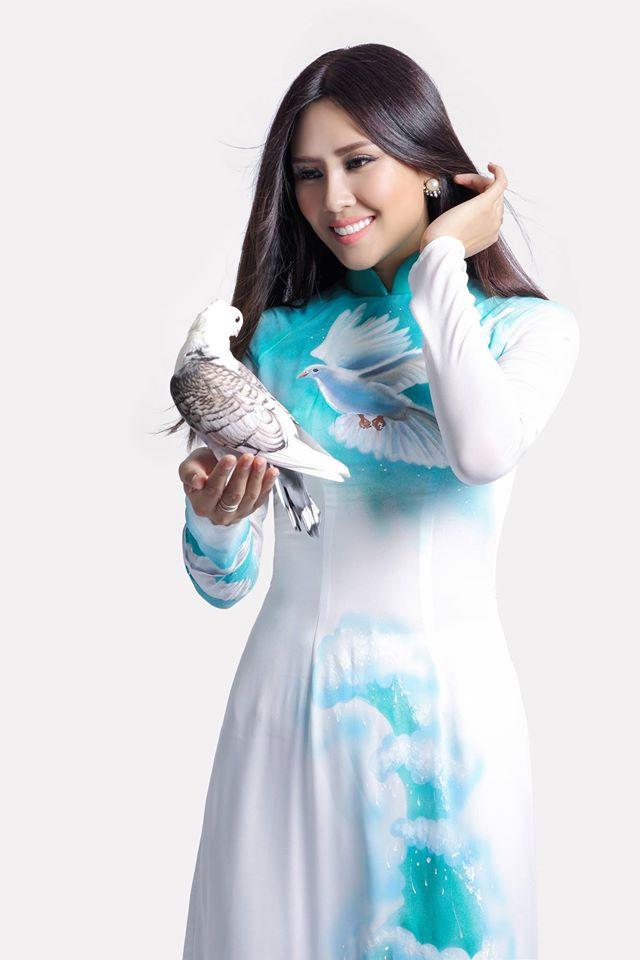 Nguyễn Thị Loan tươi rói, đọ sắc cùng 80 mỹ nữ - 14