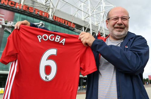 Vượt Ibra, áo Pogba bán chạy nhất Ngoại hạng Anh - 1