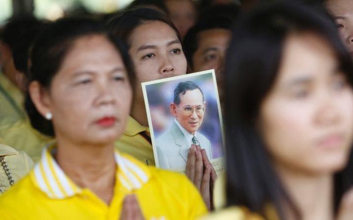Vị vua có quyền lực tối thượng ở Thái Lan qua đời - 1