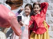 Chi Pu mặc hanbok xinh không thua á hậu Hàn Quốc