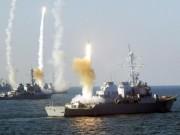Thế giới - Tàu chiến bị tấn công, Mỹ dội tên lửa hành trình trả đũa