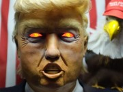 Thế giới - Máy hình Trump ăn nói linh tinh gây náo loạn New York