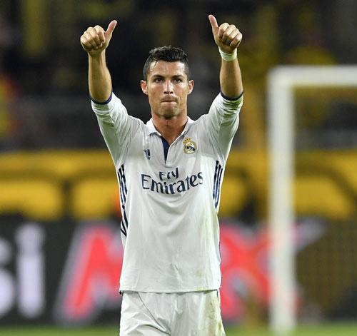 10 cầu thủ hay nhất thế giới: Ronaldo lại vượt Messi - 3