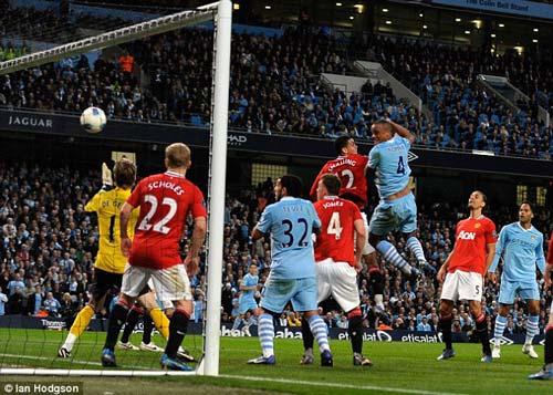 Liverpool - MU đá muộn vì sức hút truyền hình - 1