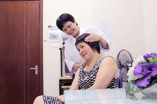 """Muốn khỏe đẹp, chị em đừng bỏ qua """"Tầm soát ung thư và các vấn đề về da"""" - 2"""
