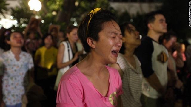 """Dân Thái đau đớn khóc thương vị vua """"thánh sống"""" băng hà - 1"""