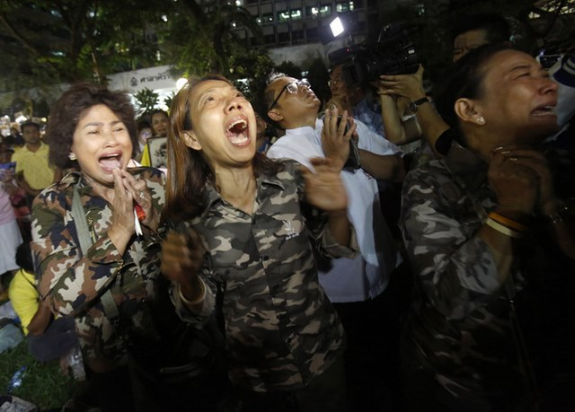 """Dân Thái đau đớn khóc thương vị vua """"thánh sống"""" băng hà - 5"""