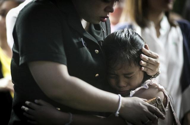 """Dân Thái đau đớn khóc thương vị vua """"thánh sống"""" băng hà - 8"""