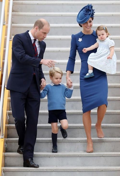 Vì sao Hoàng tử nhí George luôn mặc quần soóc - 10