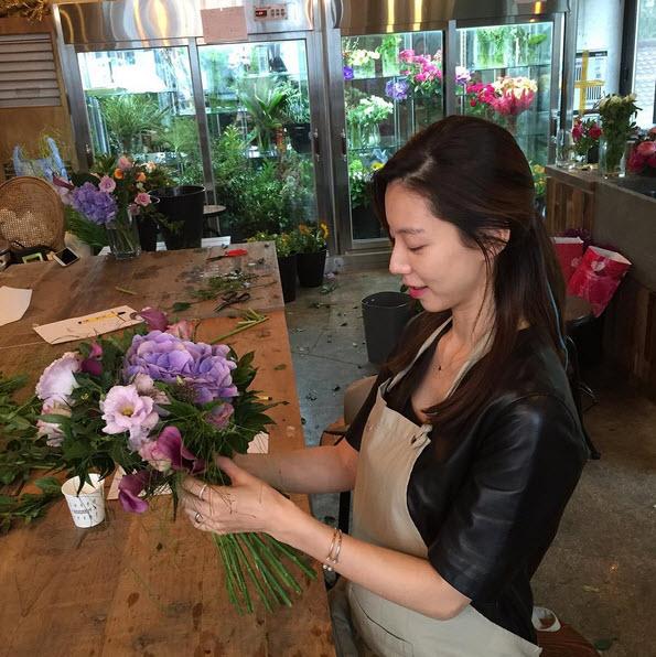 Không thể tin nổi vợ Bae Yong Joon đã bầu 7 tháng - 6