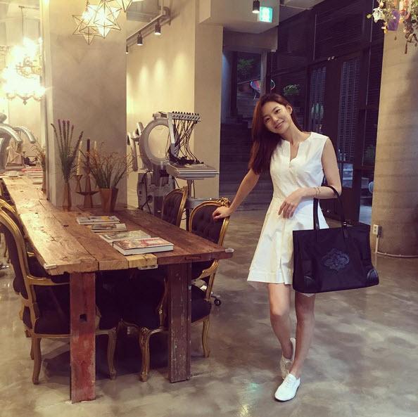 Không thể tin nổi vợ Bae Yong Joon đã bầu 7 tháng - 10