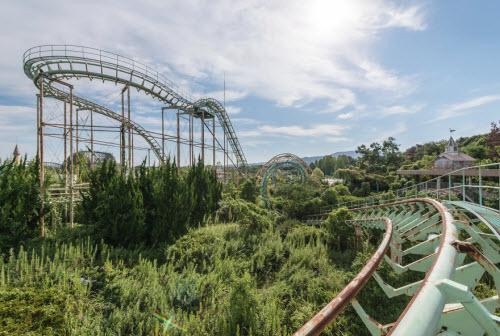 Hình ảnh rợn người bên trong công viên bỏ hoang ở Nhật Bản - 12