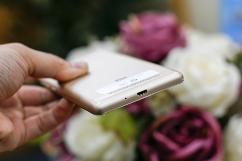 Trên tay điện thoại Xiaomi Redmi 3S - 8