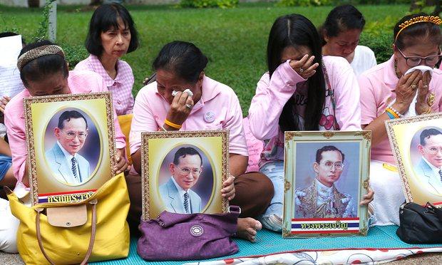 """Thái Lan sẽ ra sao sau khi vị vua """"thánh sống"""" băng hà? - 1"""