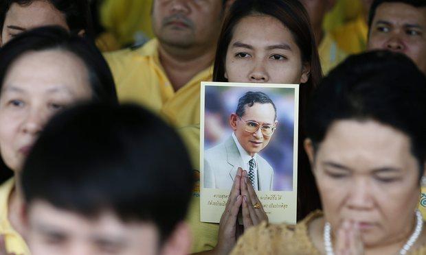 """Thái Lan sẽ ra sao sau khi vị vua """"thánh sống"""" băng hà? - 4"""