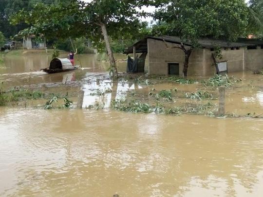 Quảng Bình – Quảng Trị: Ngập sâu trong mưa, 1 người mất tích - 6