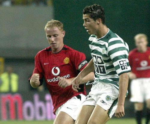 10 cầu thủ hay nhất thế giới: Ronaldo lại vượt Messi - 2