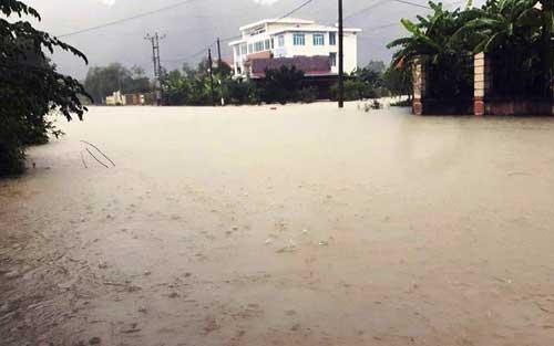 Quảng Bình – Quảng Trị: Ngập sâu trong mưa, 1 người mất tích - 4