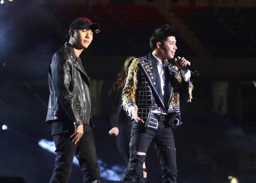 3 sao Việt khiến người Hàn bất ngờ vì tài năng, phong cách - 2