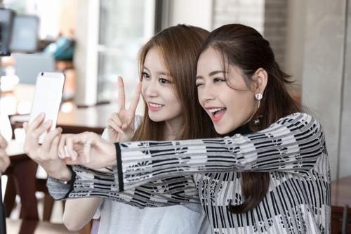 3 sao Việt khiến người Hàn bất ngờ vì tài năng, phong cách - 8