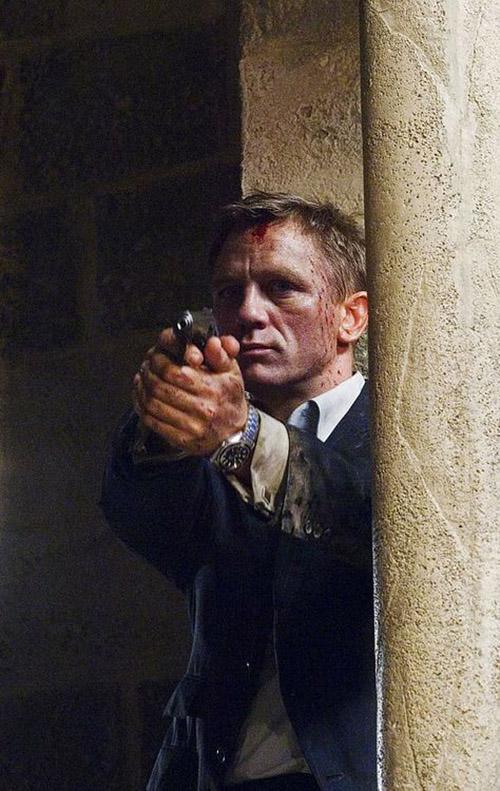 """Những khoảnh khắc đáng giá nghìn tỷ của """"điệp viên 007"""" - 6"""