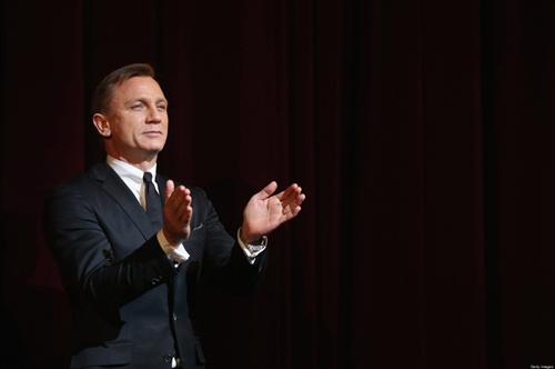 """Những khoảnh khắc đáng giá nghìn tỷ của """"điệp viên 007"""" - 8"""