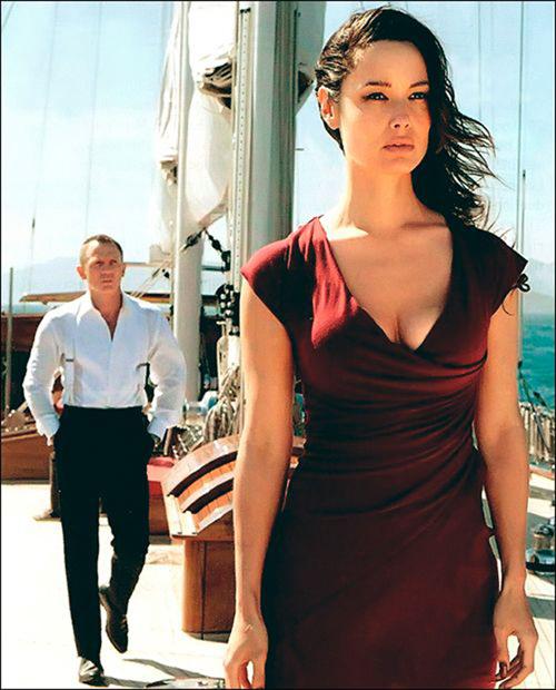 """Những khoảnh khắc đáng giá nghìn tỷ của """"điệp viên 007"""" - 12"""