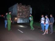 Tin tức trong ngày - Dân bắt gỗ lậu, gọi kiểm lâm không đến