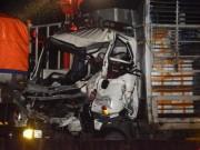 Tin tức trong ngày - Tài xế, phụ xe tử vong sau gần 2 giờ kẹt trong cabin