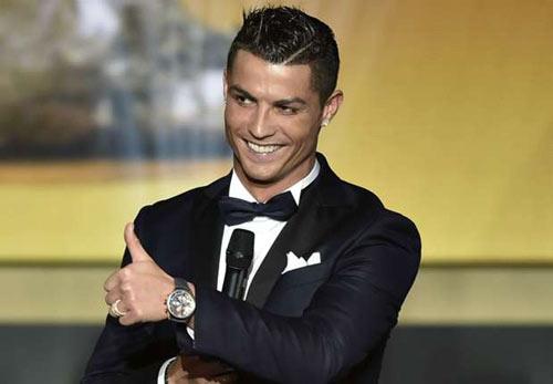 Ronaldo tự nhận số 1 thế giới, Messi mơ thành Peter Pan - 1