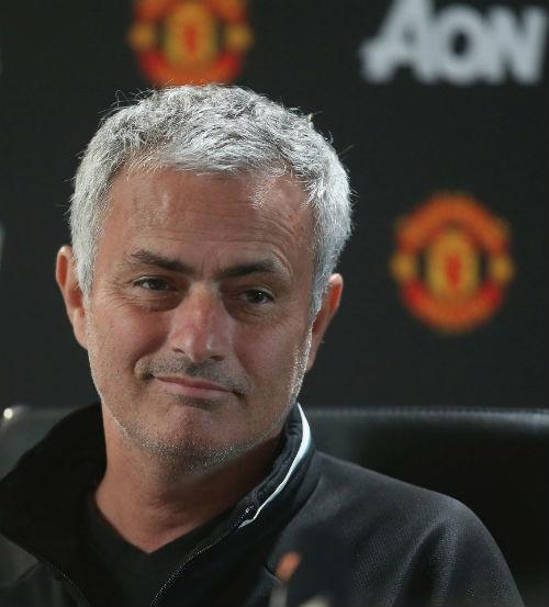 Liverpool đấu MU: Mourinho không xem Klopp là bạn - 2