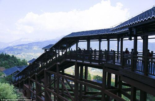 TQ mở cửa thang máy ngắm cảnh dài nhất thế giới - 3
