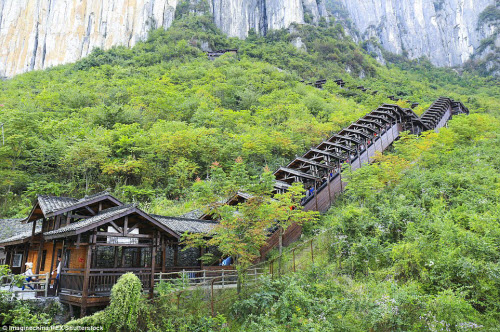 TQ mở cửa thang máy ngắm cảnh dài nhất thế giới - 4