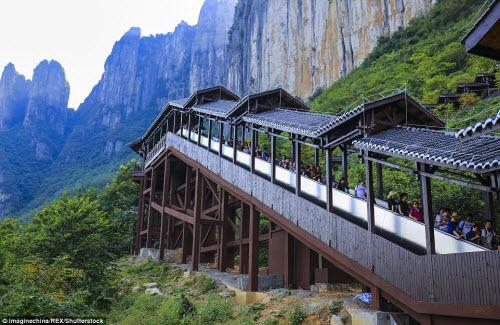 TQ mở cửa thang máy ngắm cảnh dài nhất thế giới - 10