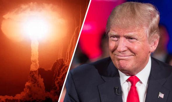 Mỹ: Lo sợ Donald Trump chạm tay vào nút bấm hạt nhân - 1