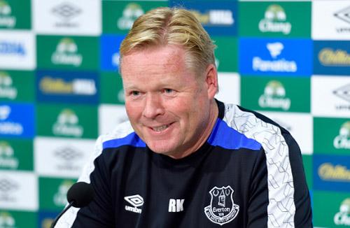 Pep Guardiola từng đi xách nước cho HLV Everton - 2