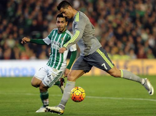 """Real Betis - Real Madrid: Chặn đứng """"khủng hoảng hòa"""" - 1"""