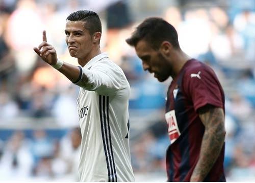 Ronaldo chán cảnh Real không vô địch La Liga - 1