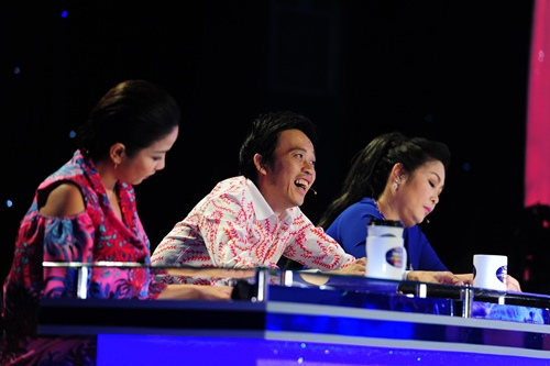 """Hoài Linh """"cười muốn xỉu"""" trước thí sinh """"Gương mặt thân quen nhí"""" - 3"""