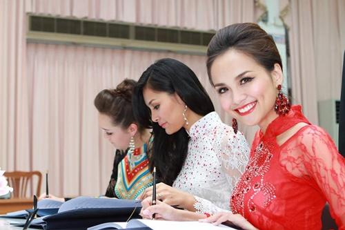 Sao Việt chia buồn trước tin vua Thái Lan băng hà - 3