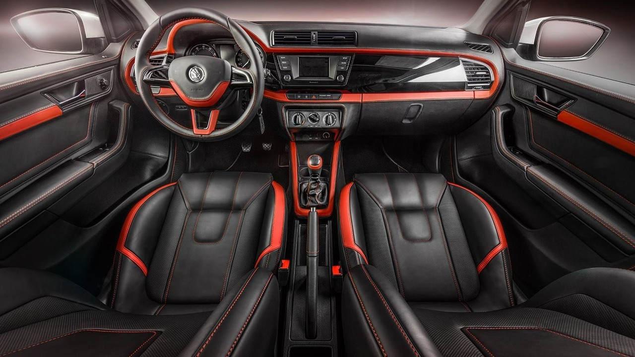 """Ngắm gói độ nội thất """"phiên bản Rolls-Royce"""" của xe Skoda Fabia - 3"""