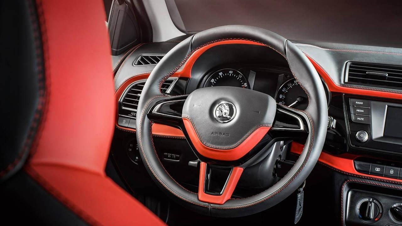 """Ngắm gói độ nội thất """"phiên bản Rolls-Royce"""" của xe Skoda Fabia - 4"""