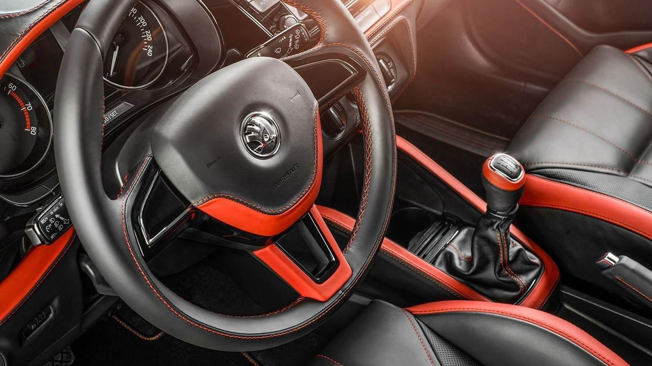 """Ngắm gói độ nội thất """"phiên bản Rolls-Royce"""" của xe Skoda Fabia - 2"""